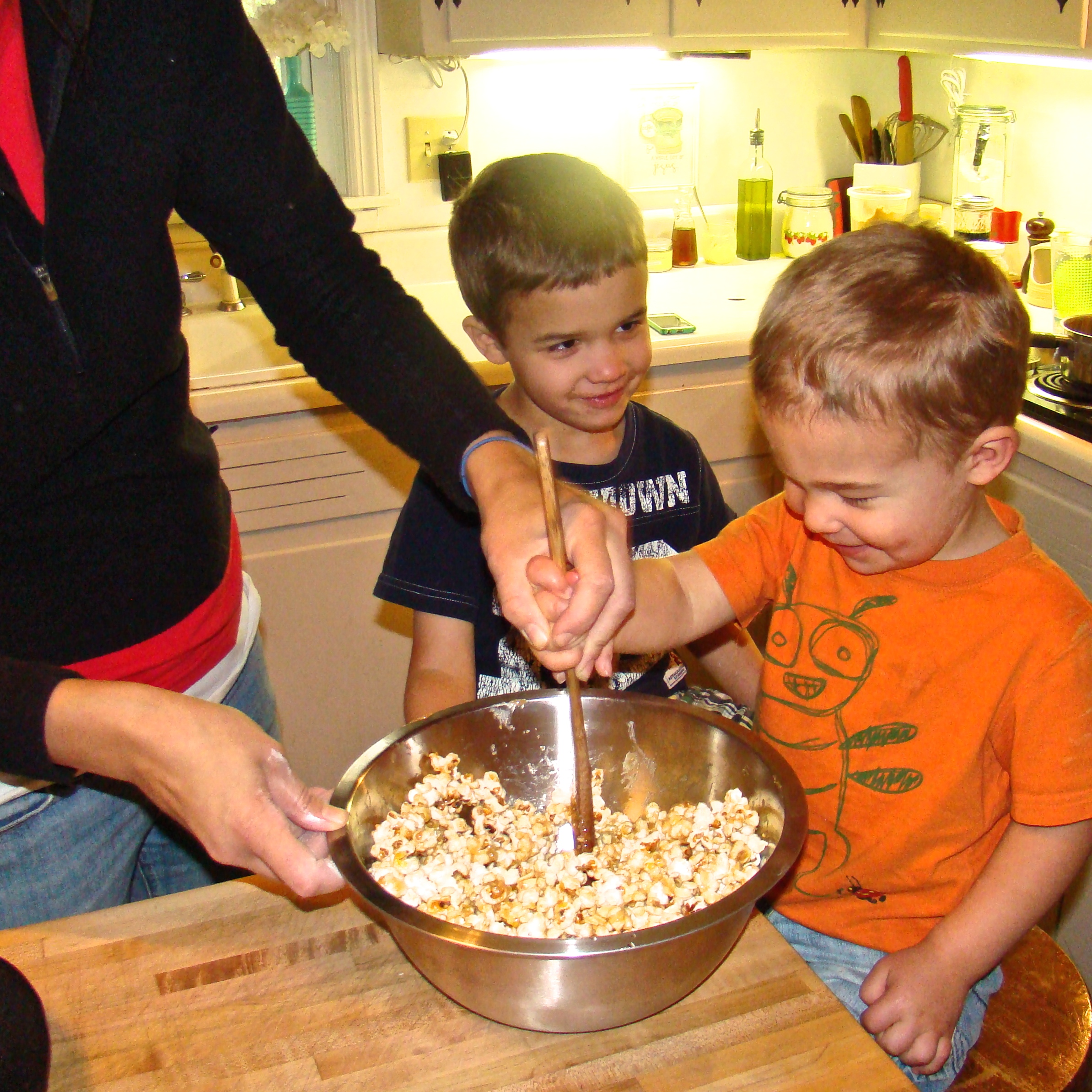 Peanut butter popcorn-- an awesome afternoon snack!