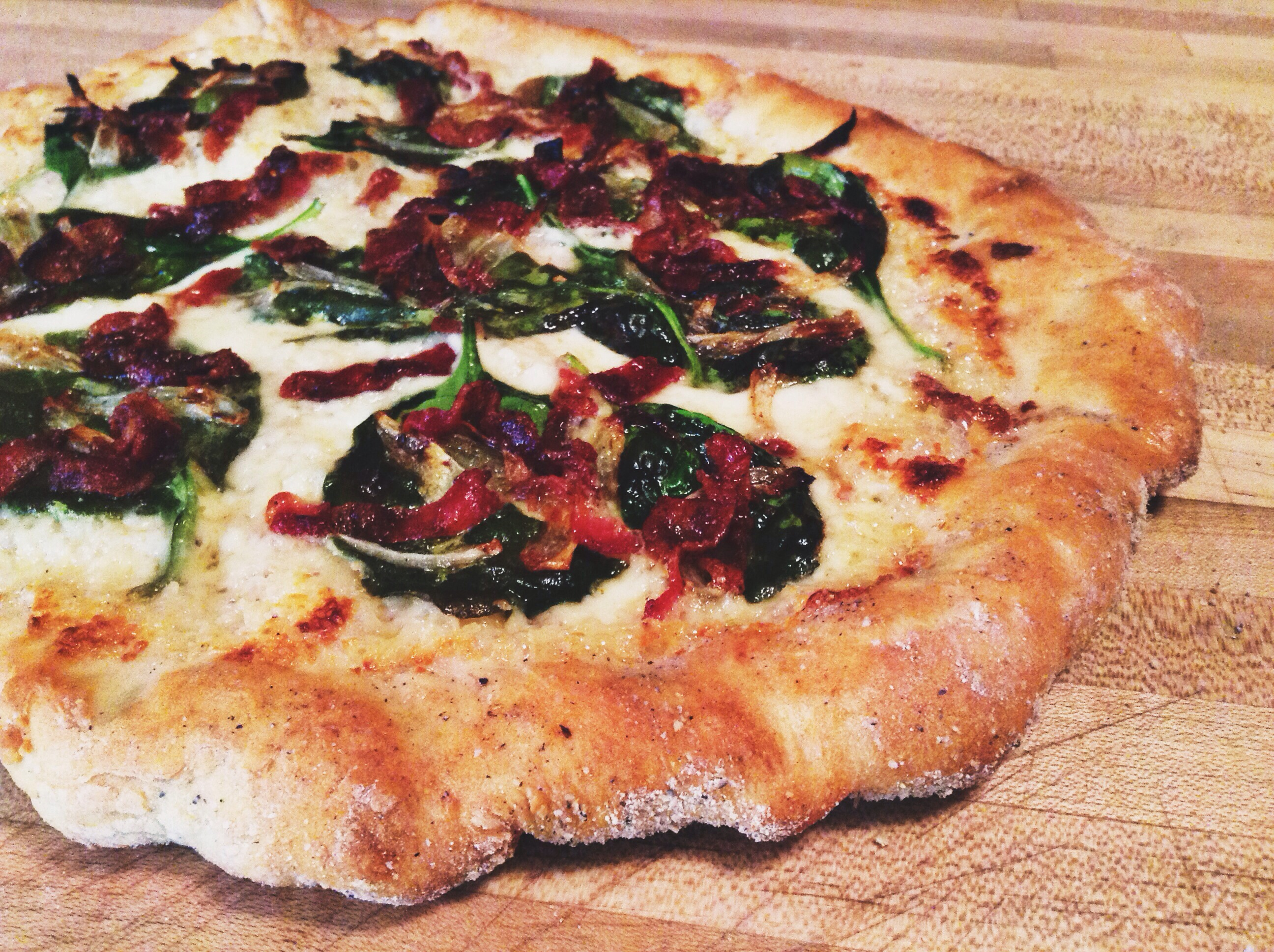 Spinach & Bacon Alfredo Pizza