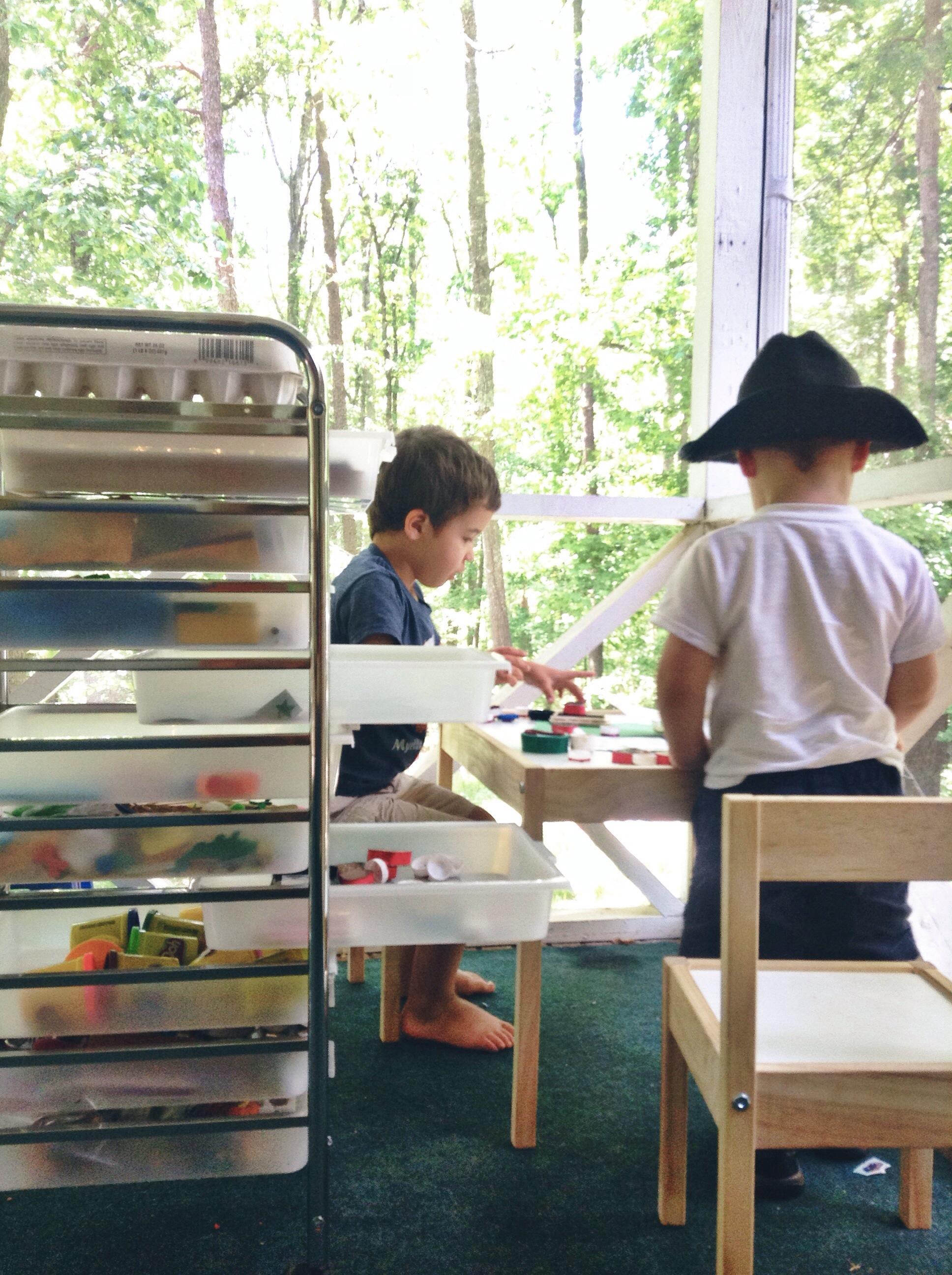 kids using art supplies