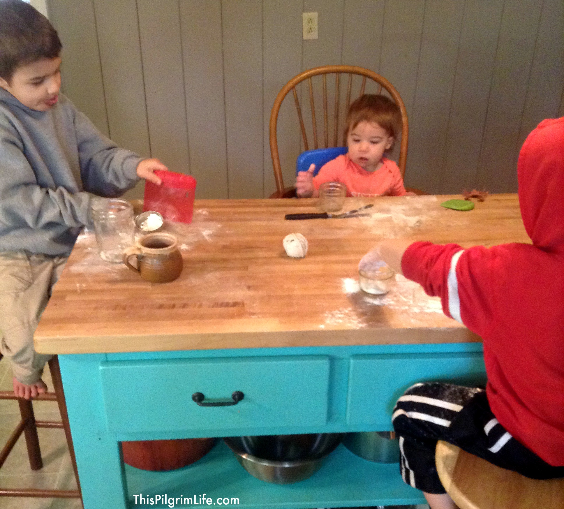 How do you keep your kids busy while you make dinner? Here's one idea that keeps kids busy for a long time!