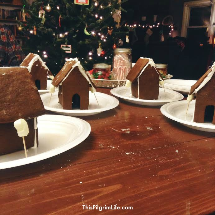 Tips for Hosting A Gingerbread House Party