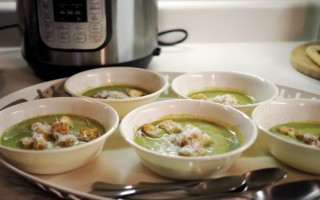(Extra Green) Instant Pot Broccoli Cheese Soup