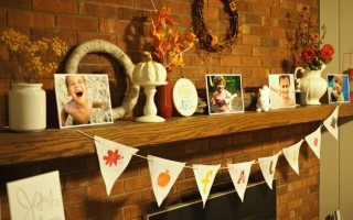 A Simple and Frugal Way to Display Pictures