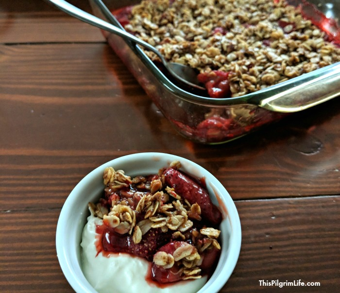 strawberry-crisp-naturally-sweetened-and-gluten-free6